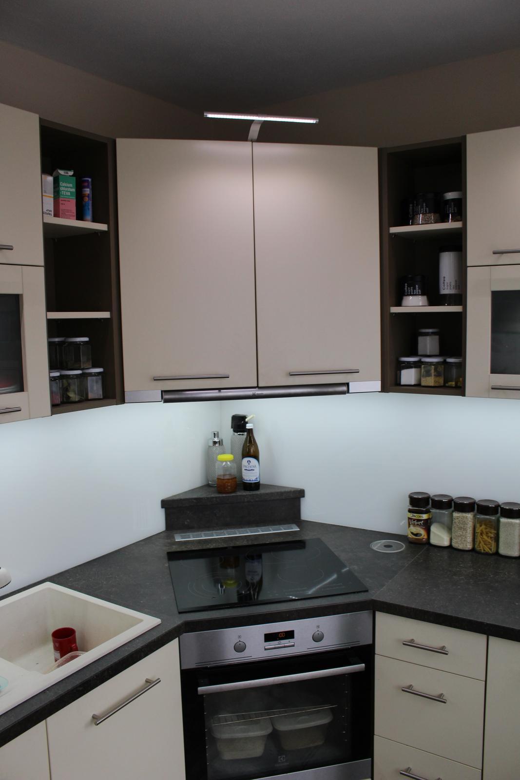 Realizácie kuchyne - Marek Herko-stolárstvo - Kuchynská linka robená do paneláku