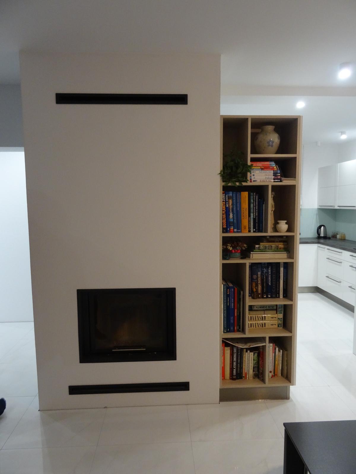 Realizované kuchyne-rodinný dom 2 - Realizácia kuchynskej linky do rodinného domu - Budča - akryl vysoký lesk -obr.2