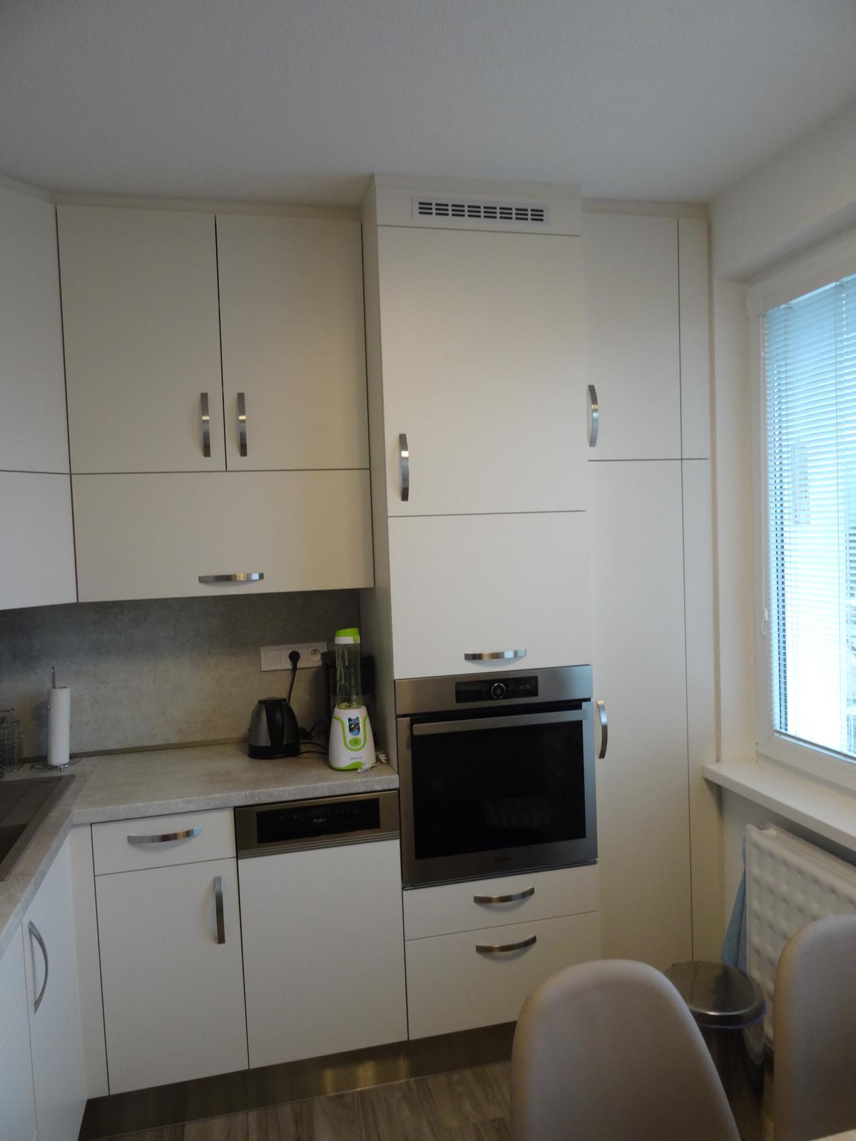 Realizované kuchyne-panelák 2 - Realizácia kuchynskej linky po strop v paneláku v ZV - obr.2