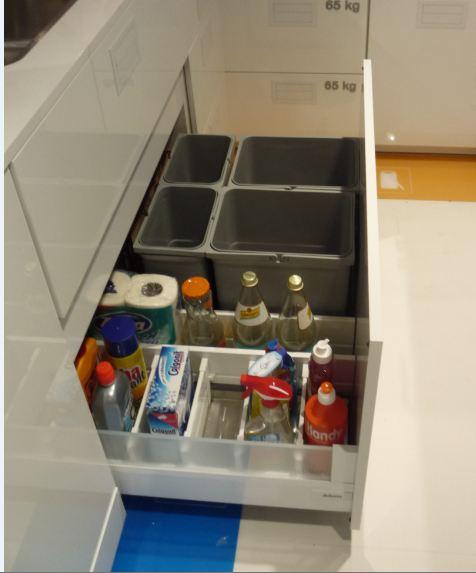 Kovania do kuchyne - výsuv pod drez pre odpadkové koše