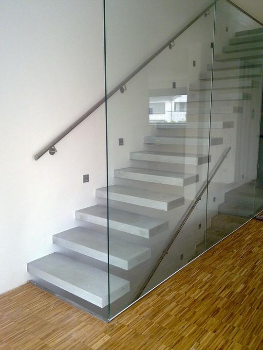 Schody - sklo a drevo - Obrázok č. 7