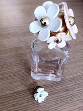Můjnejmilovanější parfém a nový prstýnek spolu perfektně ladí :-D