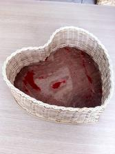 Můj bazarový úlovek za 60 Kč :-)...sloupala jsem hnusný červený semiš, musím ještě dočistit a asi přebarvím na bílo...