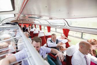 v autobusech byla zabava...