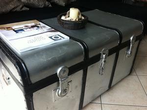 Starý kufr dostal nový nátěr...