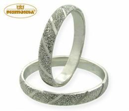 naše snubní prstínky :-)