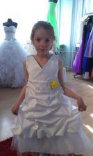 moja krasna druzicka, sestricka Terezka :) bude niest obrucky :)