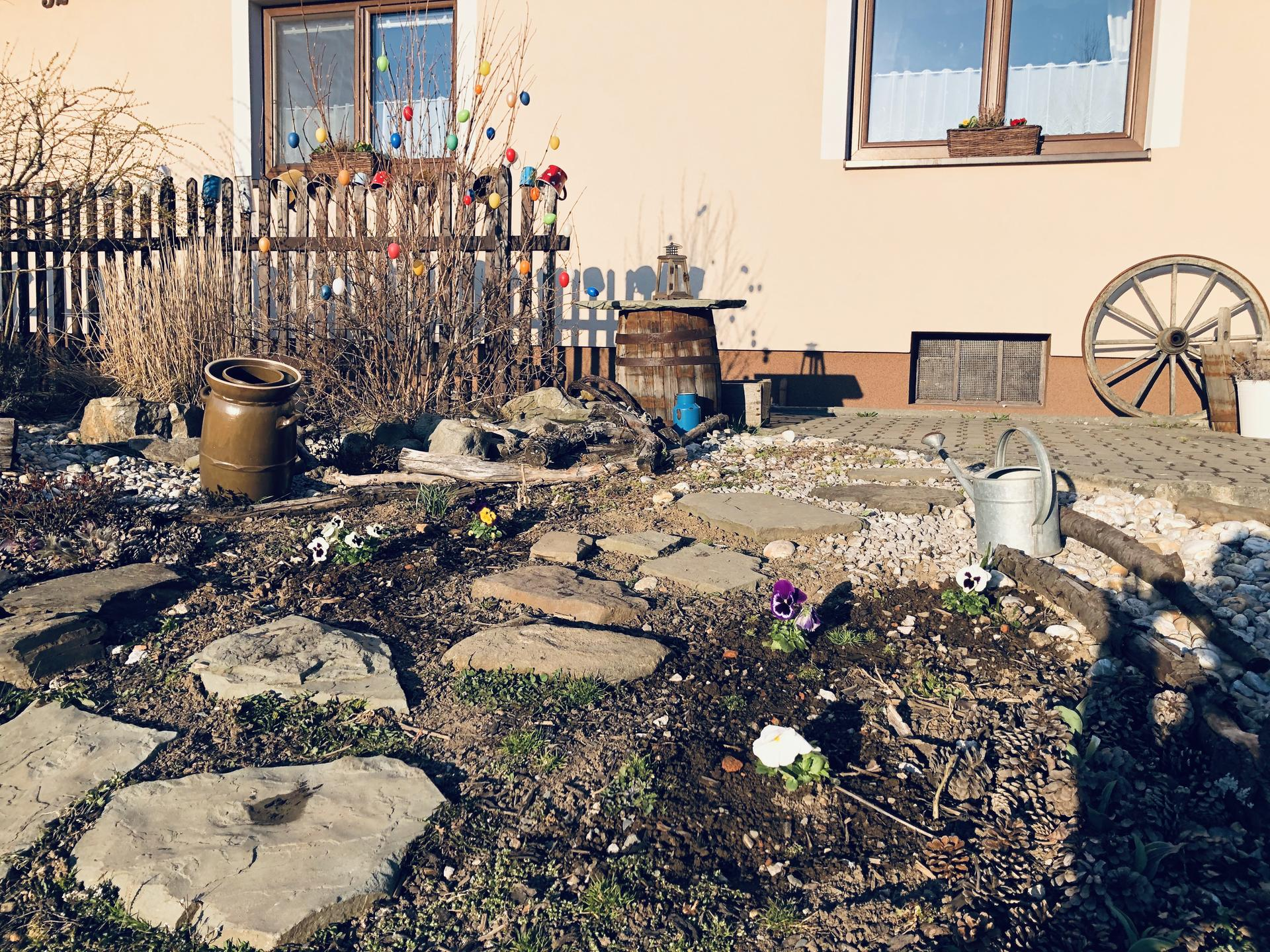 U nás doma a na zahradě 2020 - Obrázek č. 35