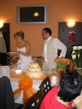 svatební dortíček - královské dělení :-)))