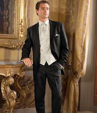 aj tento oblek je krasny