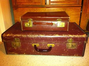 Stare kufre prave privezene od buducej svokry, pouzijeme pri vyzdobe
