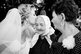 moja 92 rocna babicka nakoniec prisla na svadbu :)