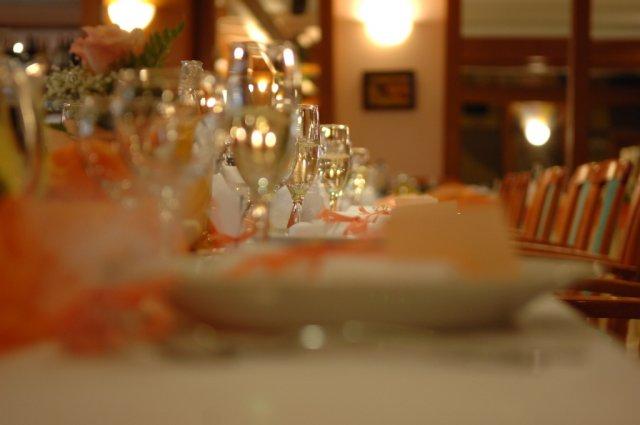 Detaily zo svadby - vyzdoba stola, robili ju v hoteli podla mojch instrukcii a zvladli to na vybornu