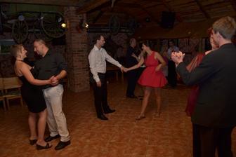 tančili všichni a na všechno
