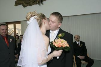 A první manželská pusinka...