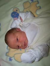 Tohle je náš Kubíček. Narodil se 30.11.2006  a měl 49 cm a 3460 g.