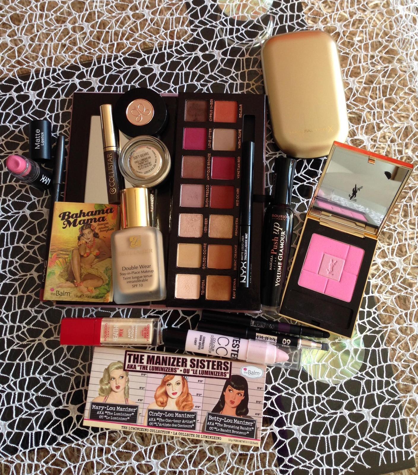 S čím pracujem - niečo z kozmetiky :)  paletka od Anastasia Beverly Hills, Estté Lauder..