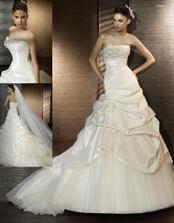 vybrané šaty na modelce
