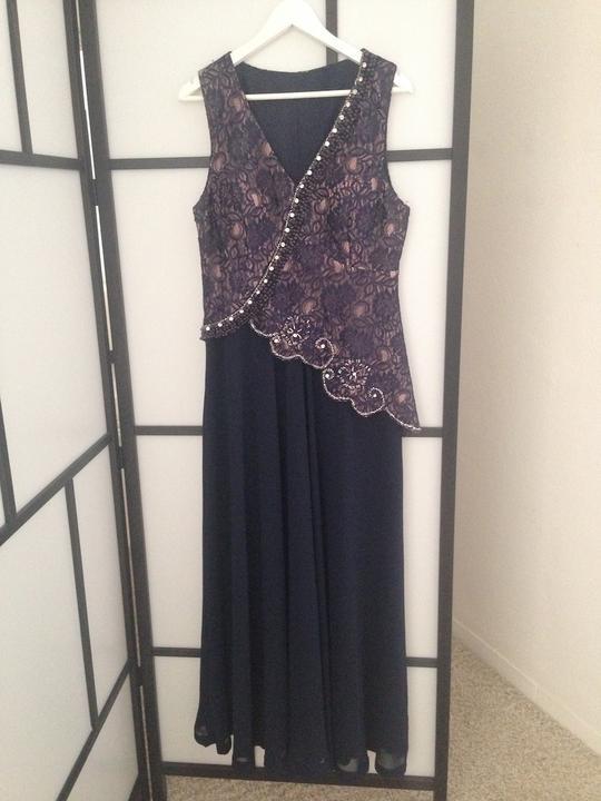 812fac3d4bda Likvidácia predajne - šaty pre svadobné mamy a moletky - veľ. 46 ...