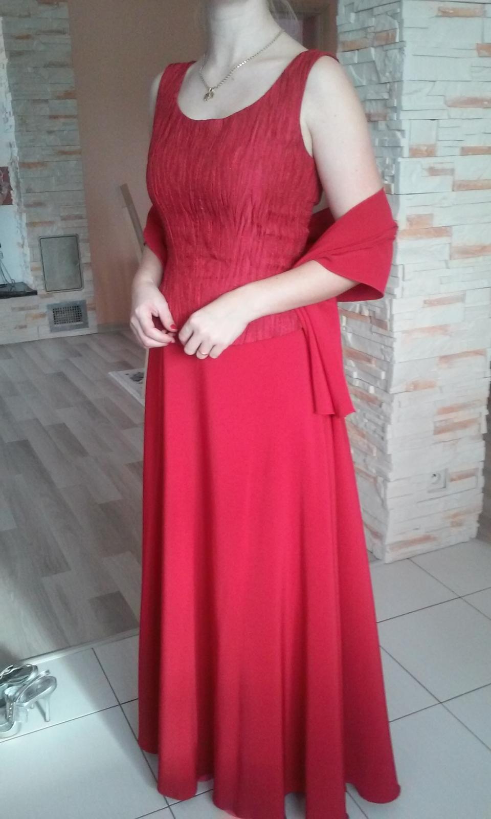 Červené korzetové šaty - Obrázok č. 1