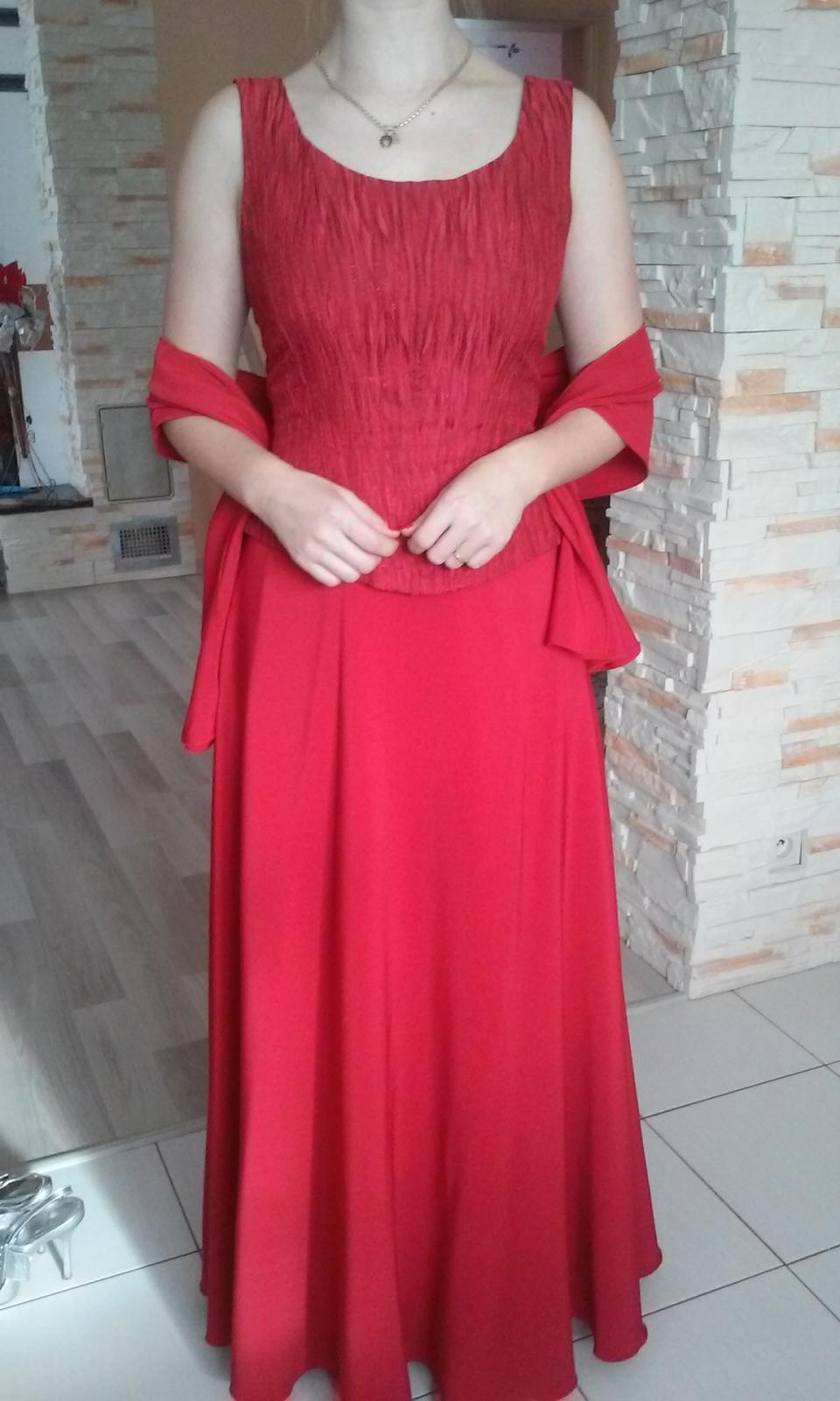 Červené korzetové šaty - Obrázok č. 3