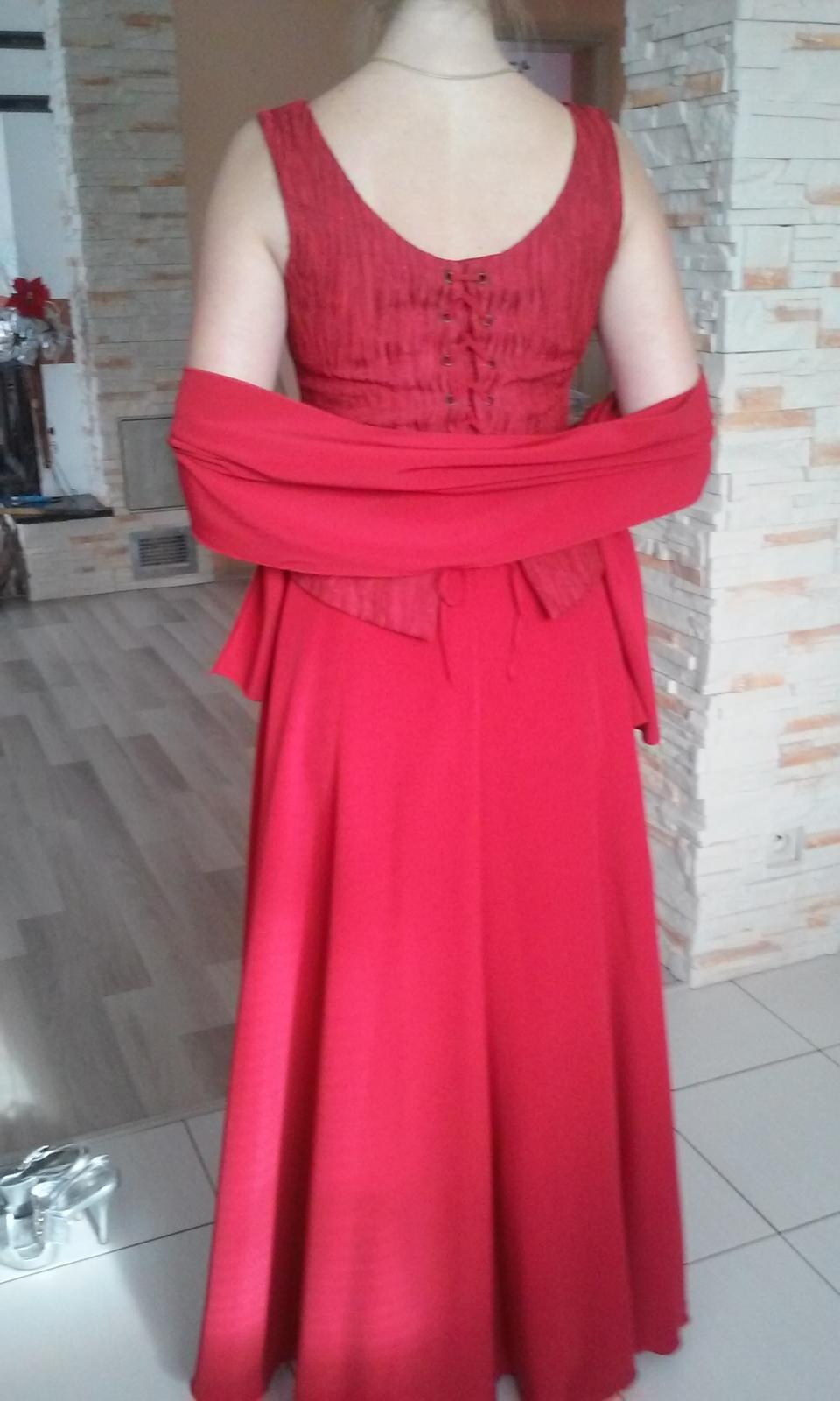 Červené korzetové šaty - Obrázok č. 4
