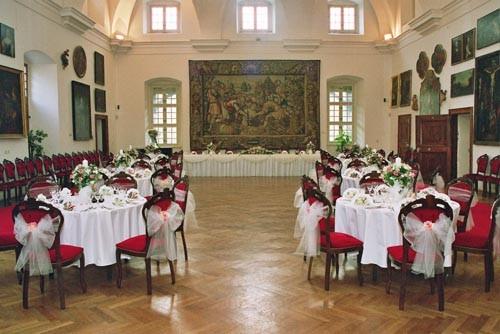 Reálny dátum 02.08.2008 - Bojnice - Hunadyho sála - adept na našu hostinu...