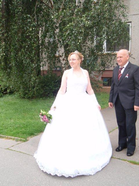 Kateřina Jamborová{{_AND_}}Jan Peška - A nevěsta se poprvé ukazuje svatebčanům