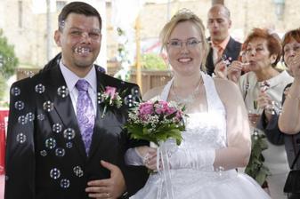Novomanželé zářili štěstím  :-D