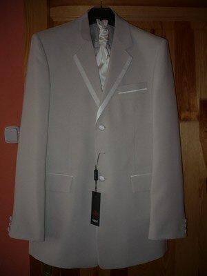 Príprava na náš veľký deň D Ľudka a PaĽko - svadobny oblek