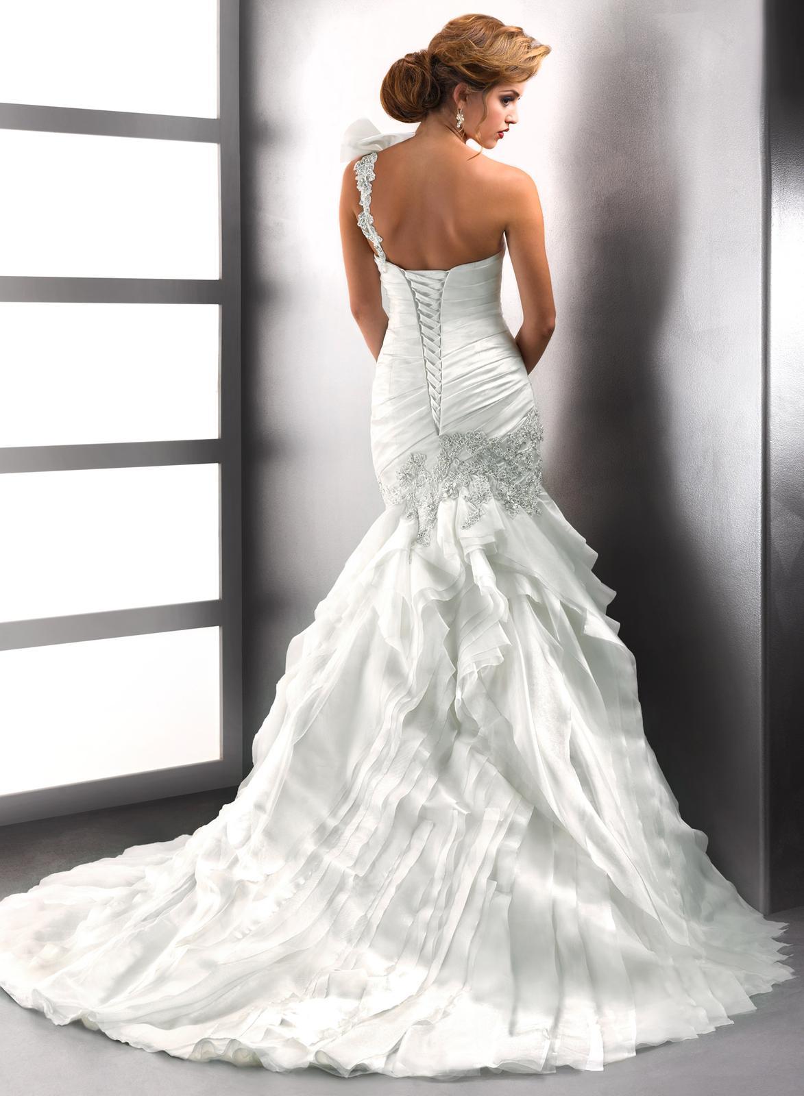 Výpredaj svadobných šiat! - Farba: white, veľkosť 34-36