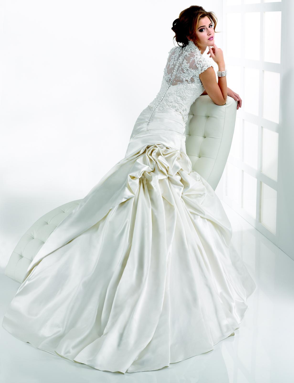 Výpredaj svadobných šiat! - Farba: diamond white, veľkosť 34-36