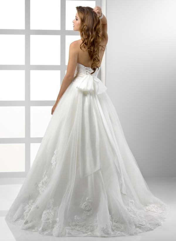 Výpredaj svadobných šiat! - Farba: white, veľkosť 32-38