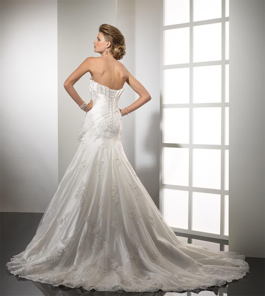 Výpredaj svadobných šiat! - Farba: white, veľkosť 34-36-38