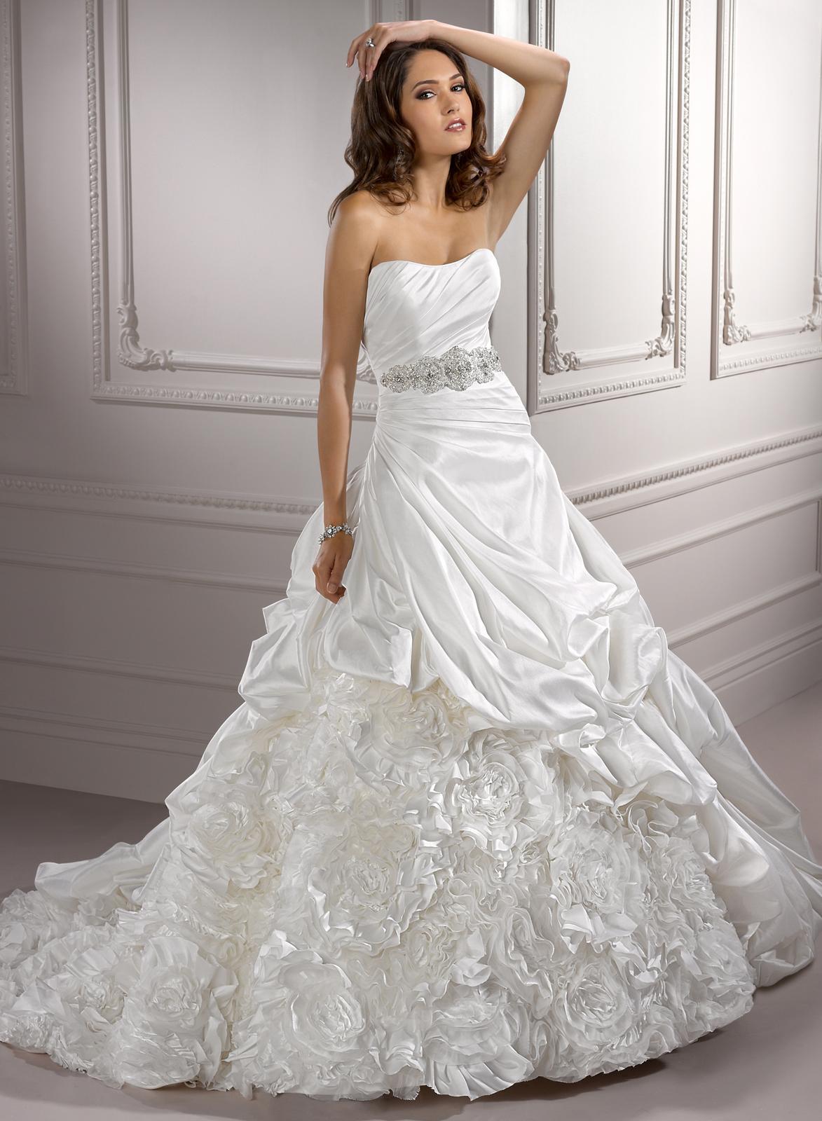 Výpredaj svadobných šiat! - MORGAN