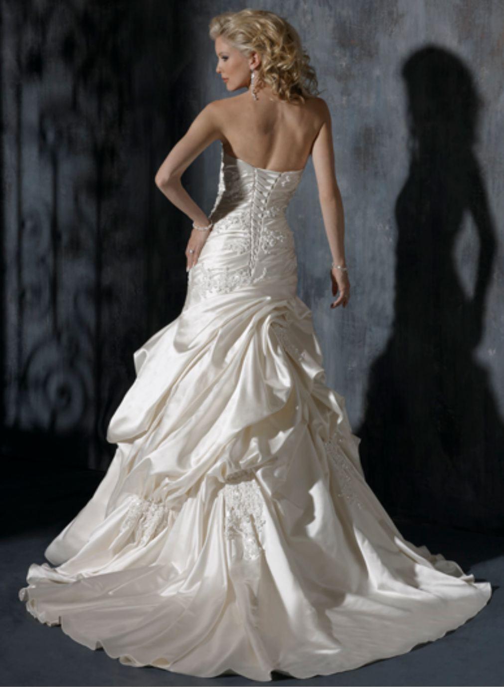 Výpredaj svadobných šiat! - Farba: diamond white, veľkosť 34-38