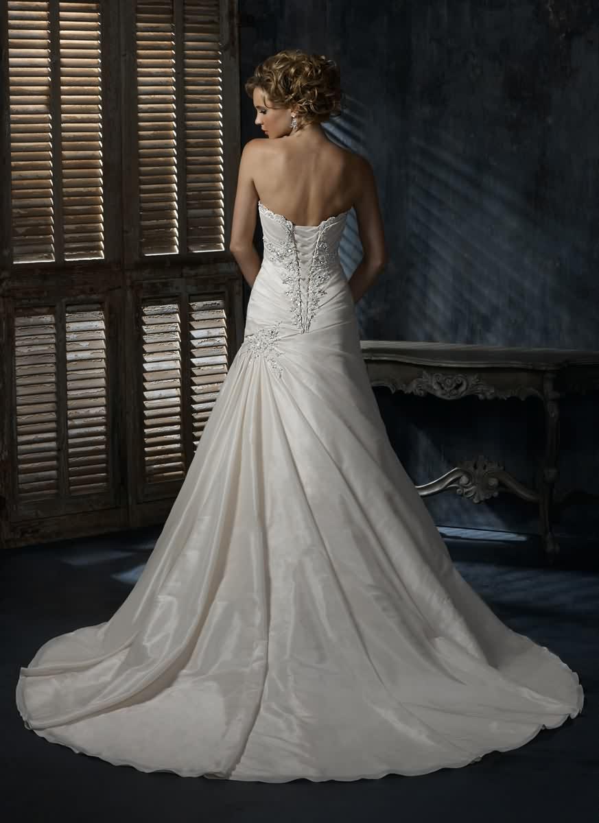 Výpredaj svadobných šiat! - Farba: white, veľkosť 38-42