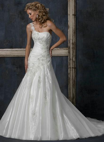 Výpredaj svadobných šiat! - LEONI