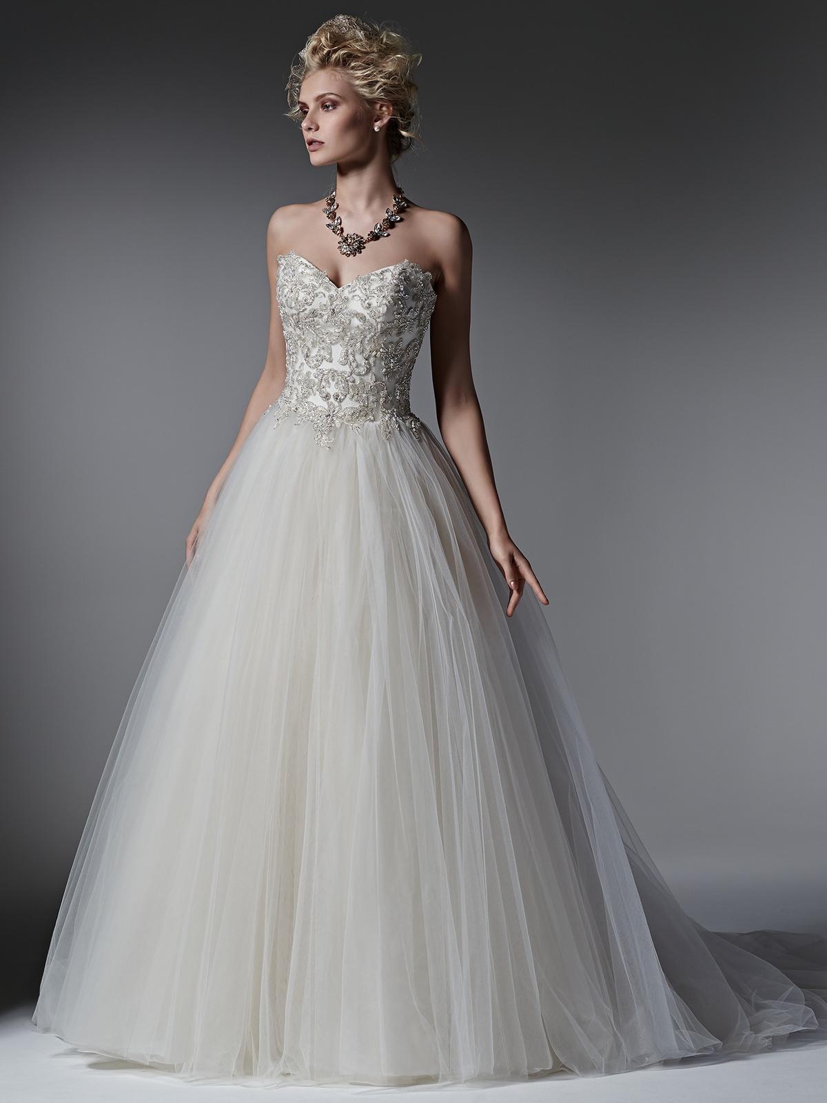 Pôvabné a luxusne pôsobiace svadobné šaty LAYLA prestížnej značky Sottero&Midgley na Vás čakajú v salóne Diamond v ŽILINE ;) - model LAYLA by Sottero&Midley
