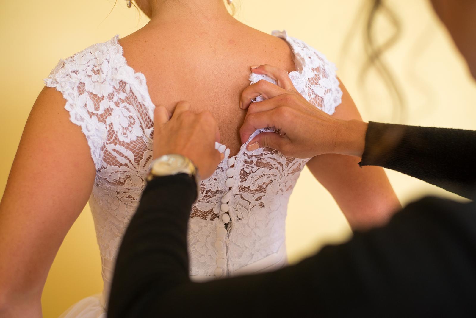 Naša krásna nevestička ♥ DARINKA v šatách CLARA ♥ - Obrázok č. 2