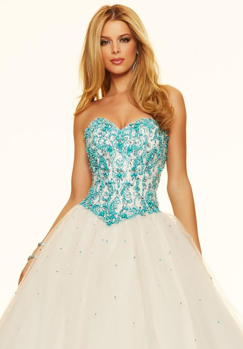 df3330d3c2ec Novinka v salóne DIAMOND v ŽILINE ♡ Nádherné spoločenské šaty ...