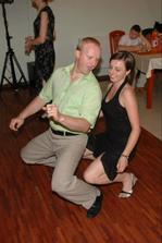 ... a stále (zohratý manželský aj tanečný pár - švagrinka Zuzka s manželom)...