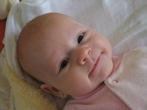 Naša láska nádherná (nar. 18.11.2009), na fotke má 2 mesiačiky