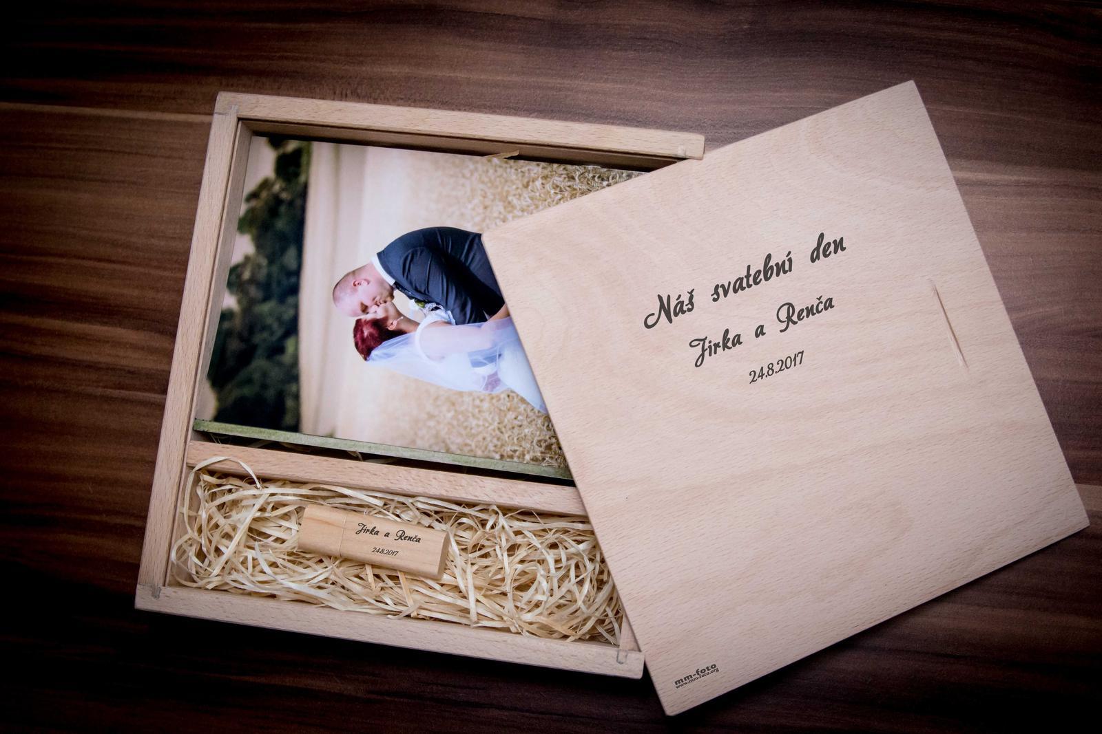 mm_foto - Nové luxusní dřevěné krabičky a fotodisky s gravírovaným nápisem. Nově i fotky v lepším formátu 13x18 cm.