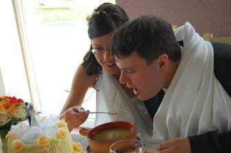 polévku společně