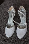 Třpytivé svatební boty, 37