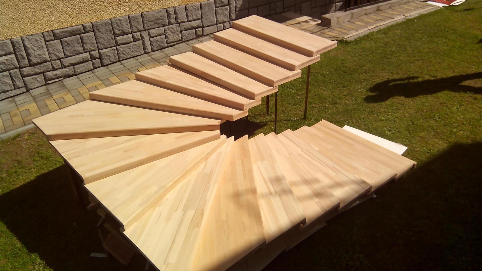 dreveneschody - Výroba schodníc (schodiska BUK) na mieru obrázok č.1.