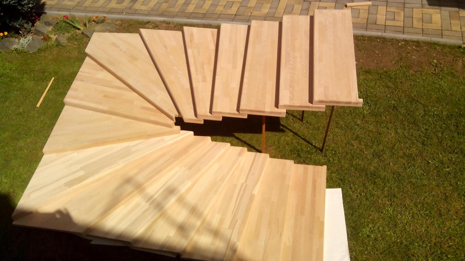 dreveneschody - Výroba schodníc (schodiska BUK) na mieru obrázok č.2.