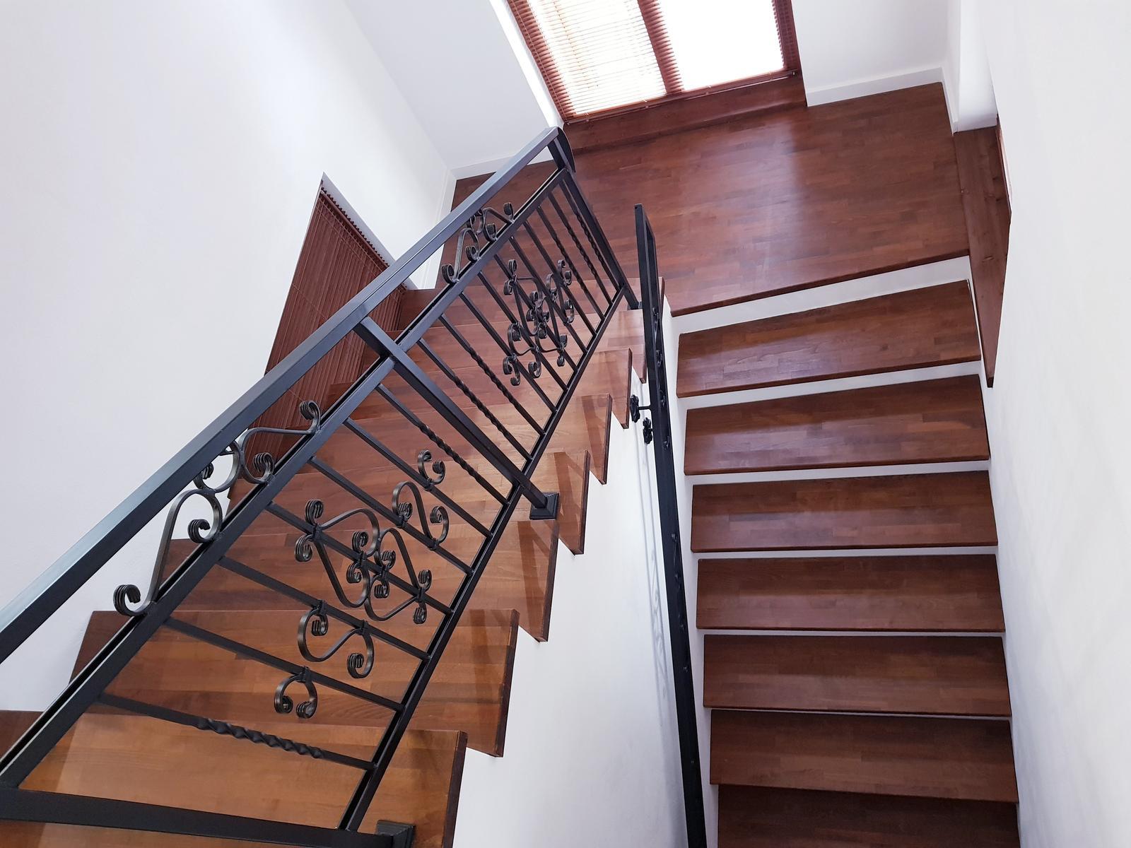 Drevené schody na mieru - BUK - 279 - Obrázok č. 15