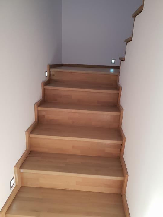 Drevené schody na mieru - BUK - odtieň DUB - Obrázok č. 20